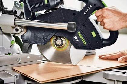 Taglio materiali legnosi con troncatrice radiale Festool KS 60