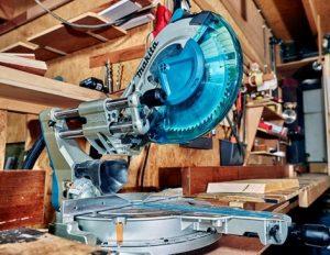 Troncatrice radiale per legno marca Makita modello LS1219L TOP di gamma